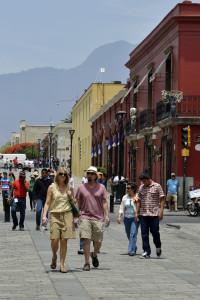 Registra Oaxaca de Juárez fuerte afluencia  turística durante periodo vacacional
