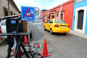 Anuncia Villacaña disposición de evaluar límites de velocidad  establecidos en el programa Fotomultas