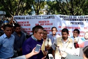 Disputan recursos  municipales regidores y edil de Atzompa