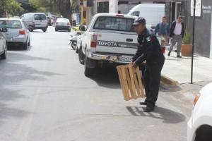 Implementa Policía Vial Operativo para retirar obstáculos en la vía pública