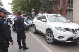 Recuperan Policía Municipal camioneta y motocicleta con reporte de robo