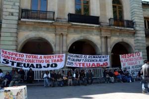 Sin avances de las autoridades Estatales y educativas demandas del STEUABJO