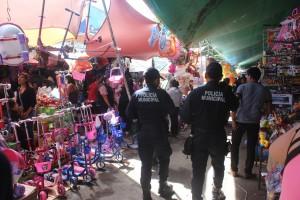 Implementa Municipio operativo de seguridad en mercado de Abastos por Día de Reyes