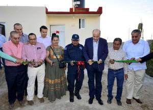 Beneficia Villacaña con otra vivienda a  policía municipal y sus familiares