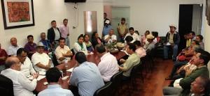 Recibe Javier Villacaña a comisión política estatal del FPR; reitera su disposición al diálogo permanente
